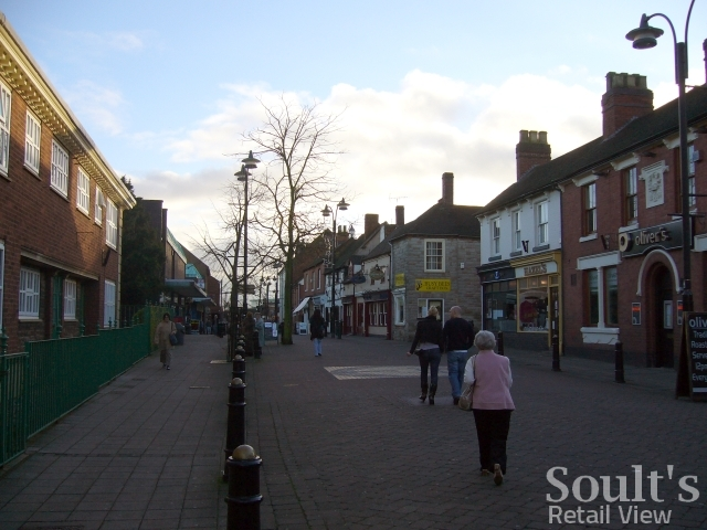 Lower Gungate, Tamworth (22 Dec 2008). Photograph by Graham Soult
