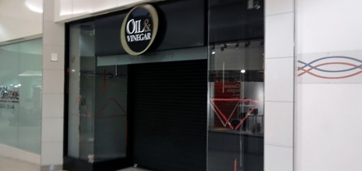 Empty Oil & Vinegar store in Eldon Square (6 Jan 2010). Photograph by Graham Soult