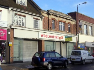 Former Woolworths, Alfreton (23 Dec 2009). Photograph by Graham Soult