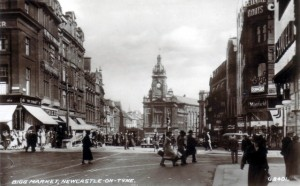 1930s postcard of the Bigg Market; No. 6 is barely visible, towards the bottom on the left