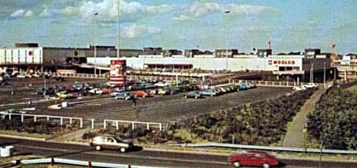 Early 1970s view of Washington's Woolco