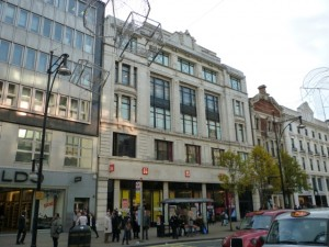 Former Woolworths (now Uniqlo), Oxford Street (24 Nov 2010). Photograph by Graham Soult