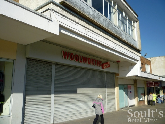 Former Woolworths, Newton Aycliffe, prior to external revamp (1 Mar 2011). Photograph by Graham Soult