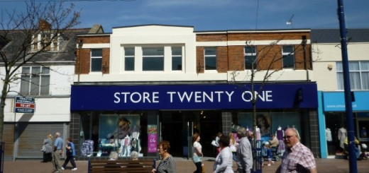 Original former Woolworths (now Store Twenty One), Redcar (4 May 2011). Photograph by Graham Soult