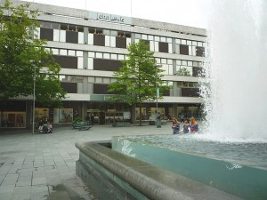 Sheffield's existing John Lewis in Barker's Pool (18 Aug 2011). Photograph by Graham Soult