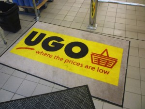 Welcome mat at UGO Boothferry (11 Oct 2011). Photograph by Graham Soult