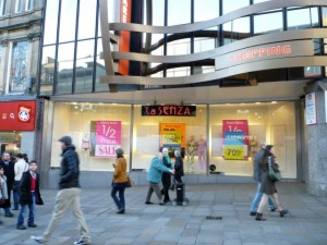 La Senza closing down in Newcastle (2 Jan 2012). Photograph by Graham Soult
