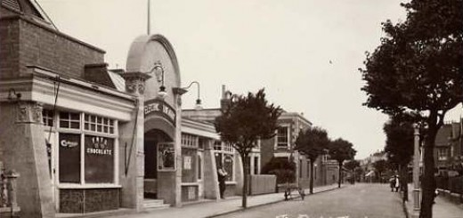 c1915 postcard of the Electric Theatre (later Woolworths), Burnham-on-Sea