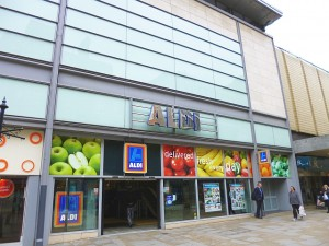 High-street Aldi in Manchester's prime Market Street (1 Jul 2013). Photograph by Graham Soult