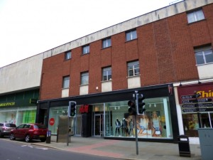 The Castle Street section of Shrewsbury's former Woolworths - now H&M (10 Jun 2013). Photograph by Graham Soult