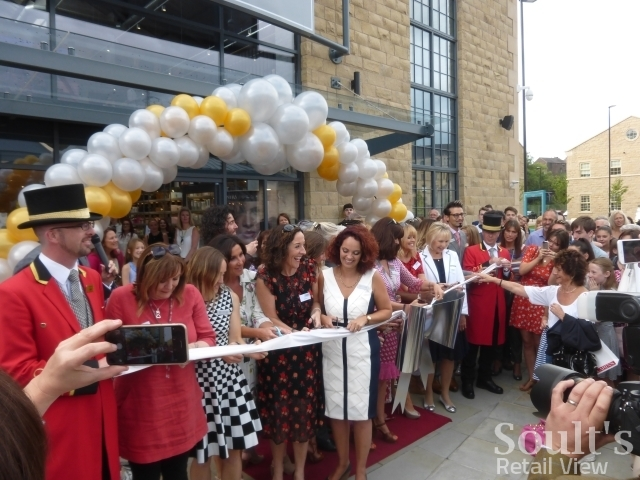 Cutting the ribbon at the opening of Sandersons department store (1 Sep 2016). Photograph by Graham Soult